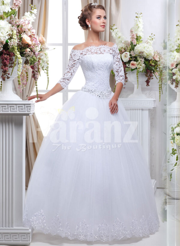 Women's pretty princess style lacy full sleeve wedding gown with flared tulle skirt