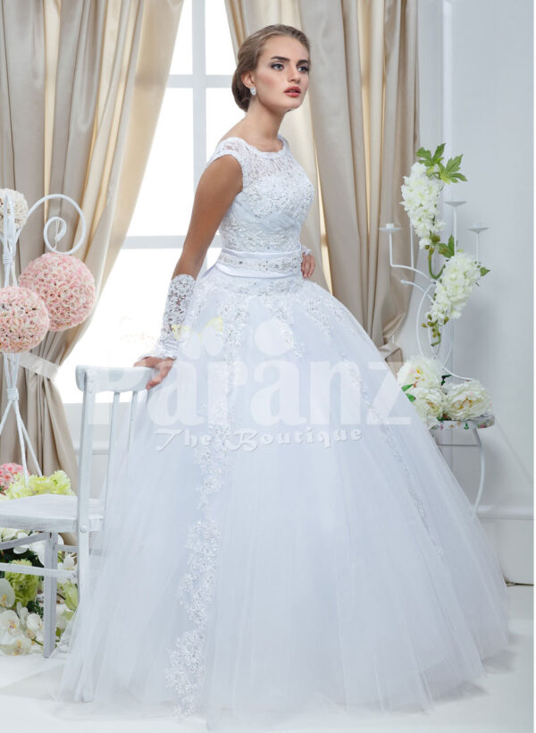 Women's simple and elegant white rich satin wedding gown with flared tulle skirt